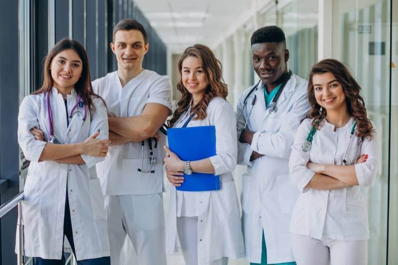 רופאים מומחים (Custom)